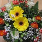 Gerbera/ruusukimppu Hinta:49,00 Tilaustunnus:GRK 1